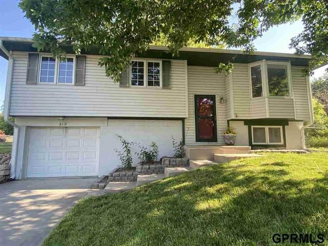810 E 4Th Street Circle, Hickman, NE 68372 (MLS #22112660) :: Capital City Realty Group