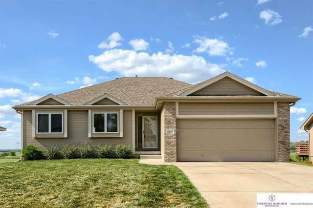 2412 Alexandra Road, Papillion, NE 68133 (MLS #22112697) :: Berkshire Hathaway Ambassador Real Estate
