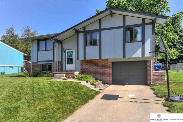 14706 Willow Creek Drive, Omaha, NE 68138 (MLS #22112847) :: kwELITE