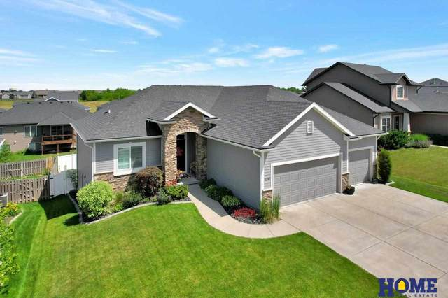 8240 S 62nd Street, Lincoln, NE 68523 (MLS #22112870) :: Capital City Realty Group