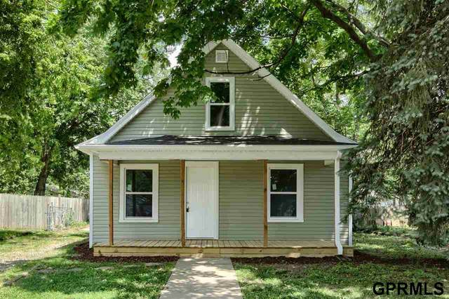 916 N 29Th Street, Lincoln, NE 68503 (MLS #22112875) :: Berkshire Hathaway Ambassador Real Estate