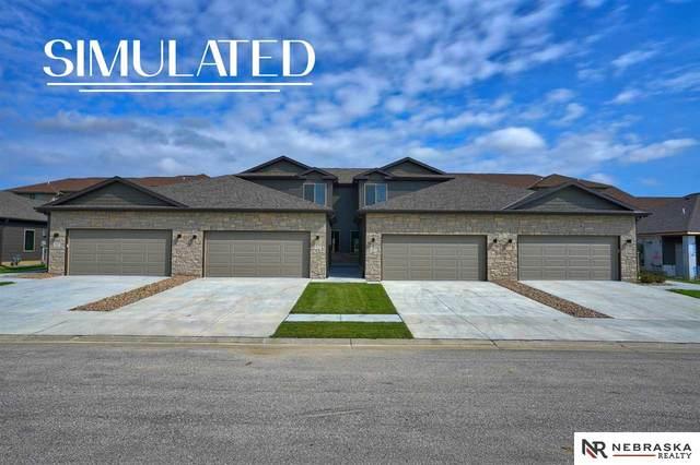 331 Half Moon Drive, Lincoln, NE 68527 (MLS #22112903) :: Berkshire Hathaway Ambassador Real Estate