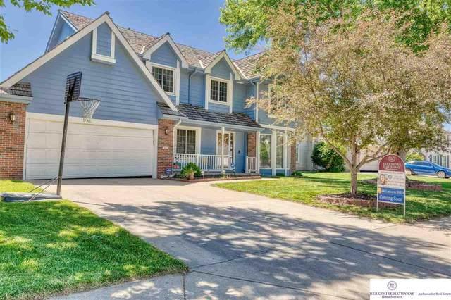 412 N 163rd Street, Omaha, NE 68118 (MLS #22112904) :: Berkshire Hathaway Ambassador Real Estate