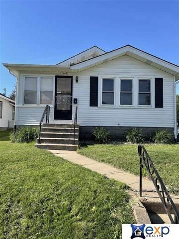 5147 Evans Street, Omaha, NE 68104 (MLS #22112924) :: Berkshire Hathaway Ambassador Real Estate
