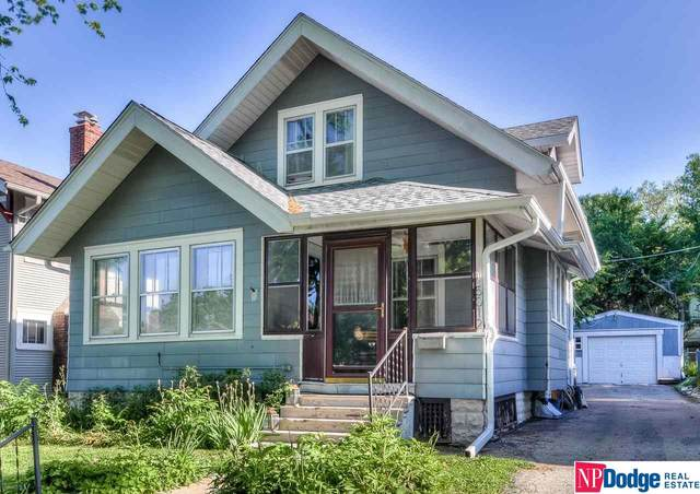5012 Burt Street, Omaha, NE 68132 (MLS #22112934) :: Berkshire Hathaway Ambassador Real Estate