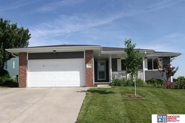 3028 W Peach Street, Lincoln, NE 68522 (MLS #22112940) :: Capital City Realty Group