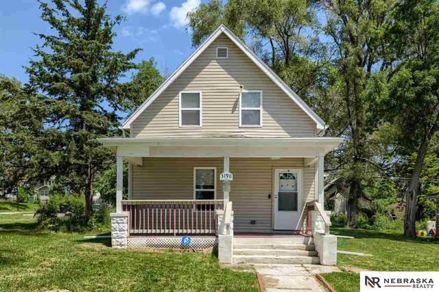 3190 Meredith Avenue, Omaha, NE 68111 (MLS #22112949) :: Berkshire Hathaway Ambassador Real Estate