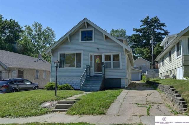 4851 Burt Street, Omaha, NE 68132 (MLS #22112955) :: Berkshire Hathaway Ambassador Real Estate