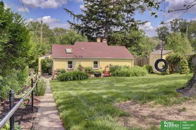 2425 S 48th Avenue, Omaha, NE 68106 (MLS #22112981) :: Don Peterson & Associates