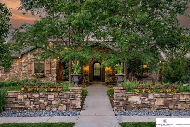 1301 Ranch View Lane, Omaha, NE 68022 (MLS #22112992) :: Capital City Realty Group