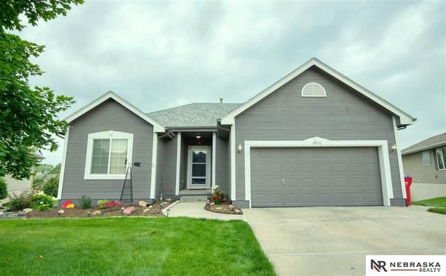 4618 Springview Drive, Papillion, NE 68133 (MLS #22113018) :: Berkshire Hathaway Ambassador Real Estate
