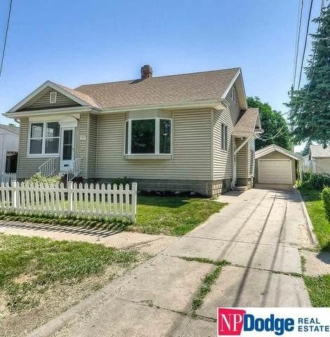 415 N 25th Street, Council Bluffs, IA 51503 (MLS #22113020) :: Berkshire Hathaway Ambassador Real Estate