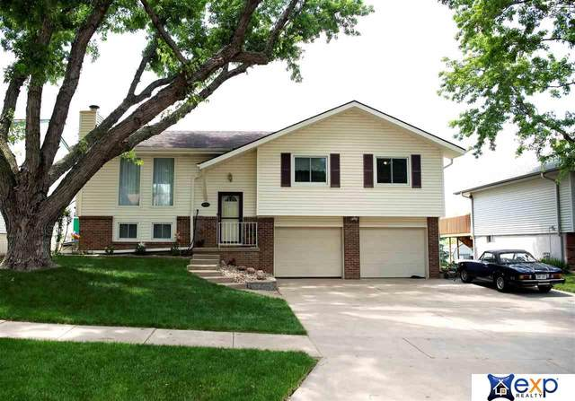 6135 NW 12th Street, Lincoln, NE 68521 (MLS #22113024) :: Catalyst Real Estate Group