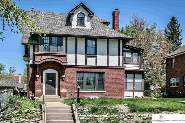 3858 Cass Street, Omaha, NE 68131 (MLS #22113045) :: Berkshire Hathaway Ambassador Real Estate