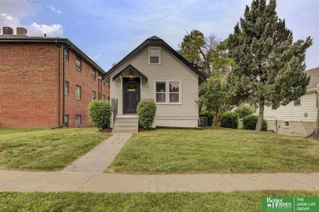 4317 Charles Street, Omaha, NE 68131 (MLS #22113062) :: Berkshire Hathaway Ambassador Real Estate