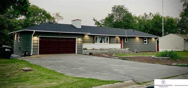 8325 N 37 Street, Omaha, NE 68112 (MLS #22113241) :: Don Peterson & Associates