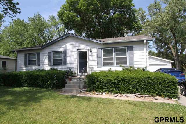 708 Vernon Avenue, Bellevue, NE 68005 (MLS #22113302) :: Dodge County Realty Group