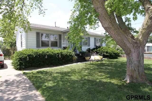1211 W 15th Avenue, Bellevue, NE 68005 (MLS #22113303) :: Dodge County Realty Group