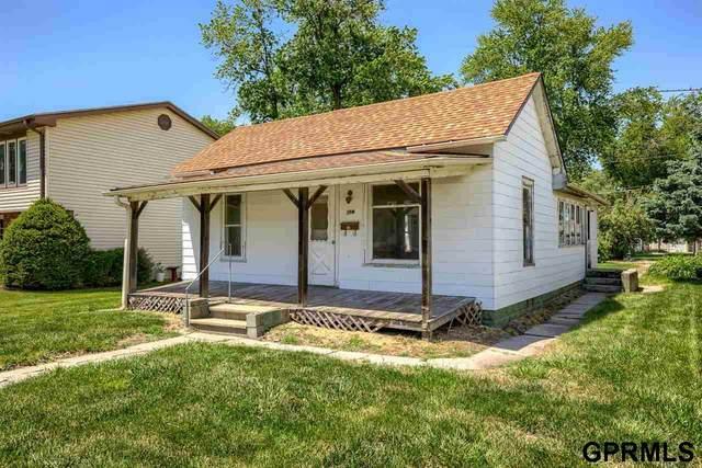 114 W Charles Street, Valley, NE 68064 (MLS #22113306) :: Don Peterson & Associates