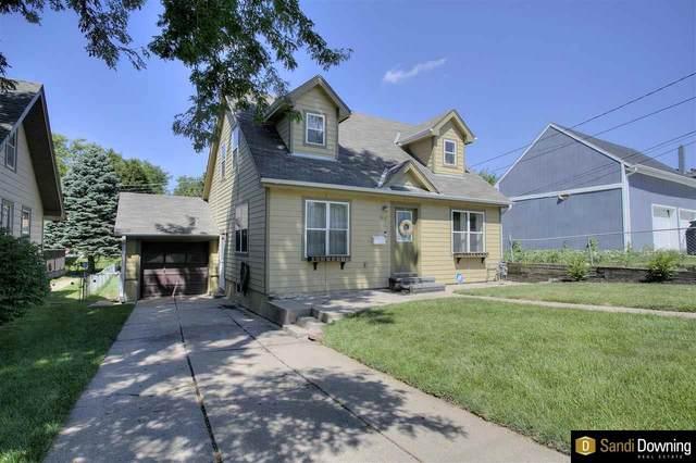 1916 S 35 Street, Omaha, NE 68105 (MLS #22113386) :: Omaha Real Estate Group