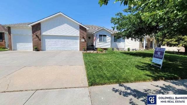 8222 Mackenzie Road, Lincoln, NE 68505 (MLS #22113459) :: Catalyst Real Estate Group