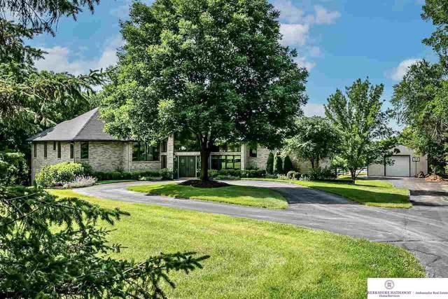 5337 Parsonage Drive, Omaha, NE 68152 (MLS #22113511) :: Omaha Real Estate Group