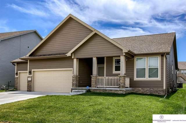 20535 Howe Street, Omaha, NE 68022 (MLS #22113547) :: Lincoln Select Real Estate Group