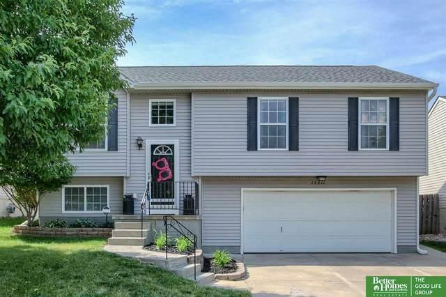 15311 N Willit Street, Bennington, NE 68007 (MLS #22113549) :: Omaha Real Estate Group