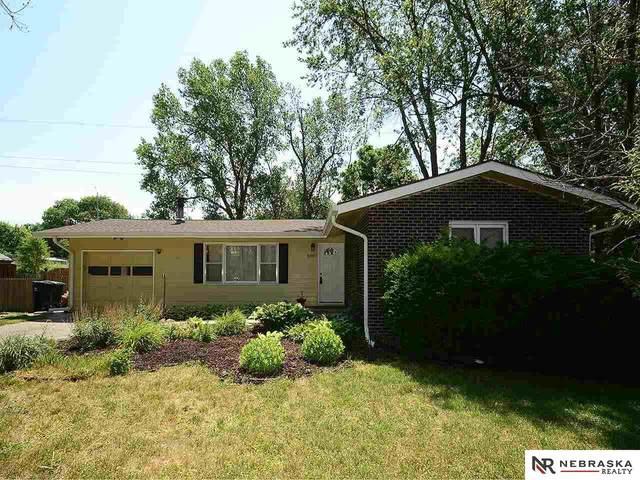 10817 Oakbrook Circle, Omaha, NE 68154 (MLS #22113596) :: Don Peterson & Associates
