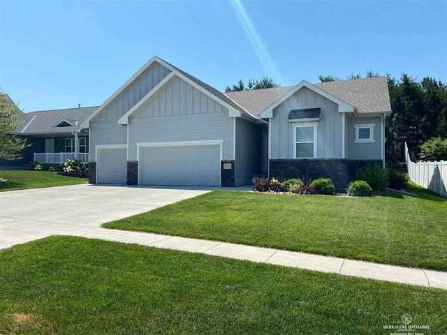 9211 Berg Drive, Lincoln, NE 68505 (MLS #22113601) :: Catalyst Real Estate Group