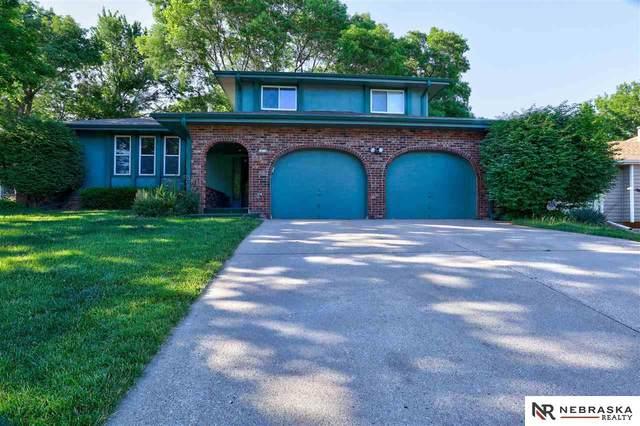 14718 Castelar Circle, Omaha, NE 68144 (MLS #22113618) :: Berkshire Hathaway Ambassador Real Estate