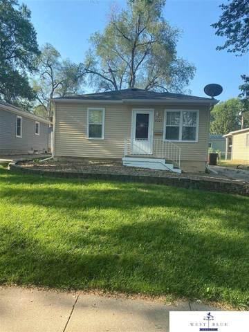 4221 N Street, Lincoln, NE 68510 (MLS #22113635) :: Don Peterson & Associates