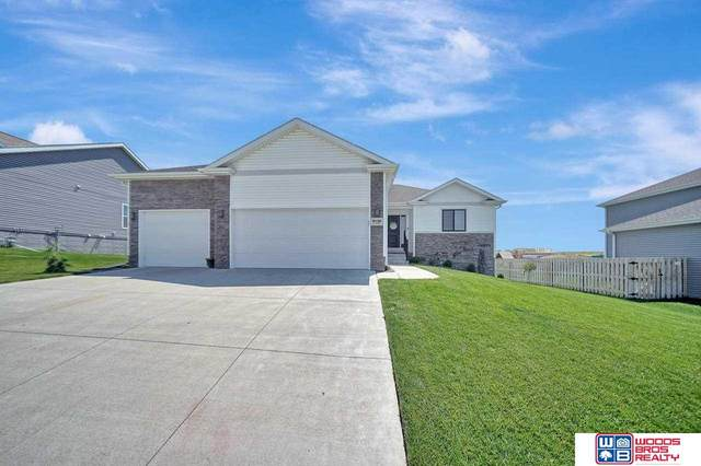 9130 S 74th Street, Lincoln, NE 68516 (MLS #22113743) :: Catalyst Real Estate Group