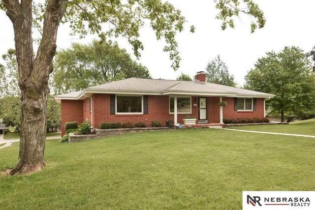 1427 N 98 Street, Omaha, NE 68114 (MLS #22113787) :: Omaha Real Estate Group