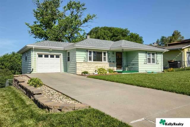 2230 S 46 Street, Omaha, NE 68106 (MLS #22113840) :: Omaha Real Estate Group