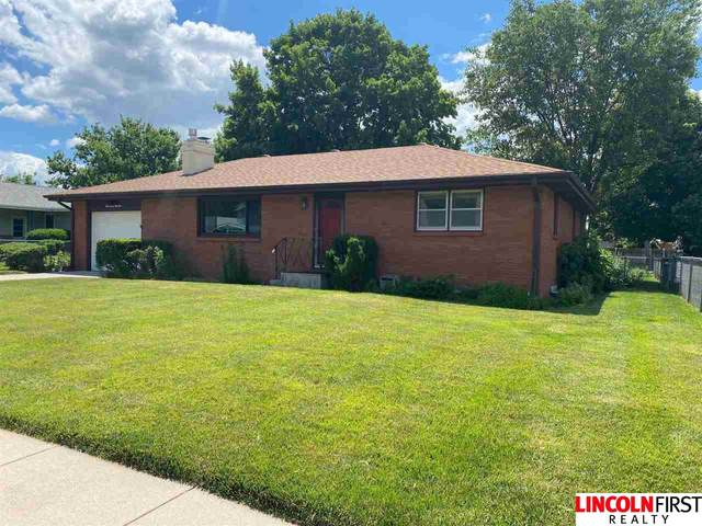 3731 Spruce Street, Lincoln, NE 68516 (MLS #22113872) :: Lincoln Select Real Estate Group
