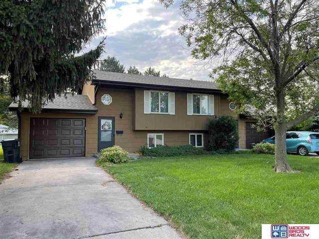1706 N Columbia Avenue, Seward, NE 68434 (MLS #22113986) :: Dodge County Realty Group
