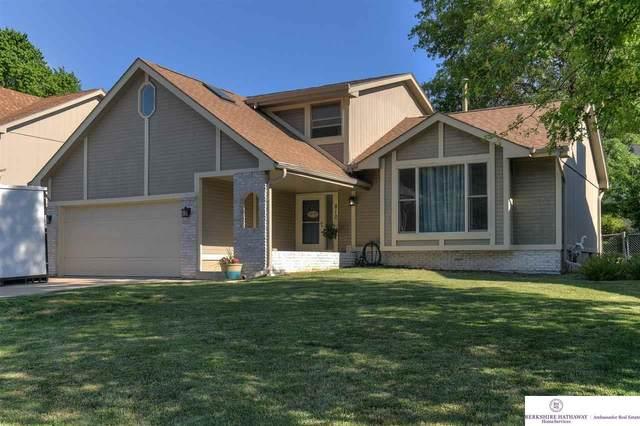 810 Redwood Lane, Papillion, NE 68046 (MLS #22114030) :: Omaha Real Estate Group