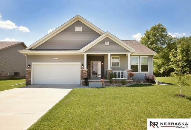 8310 Kilpatrick Parkway, Bennington, NE 68007 (MLS #22114231) :: Lincoln Select Real Estate Group