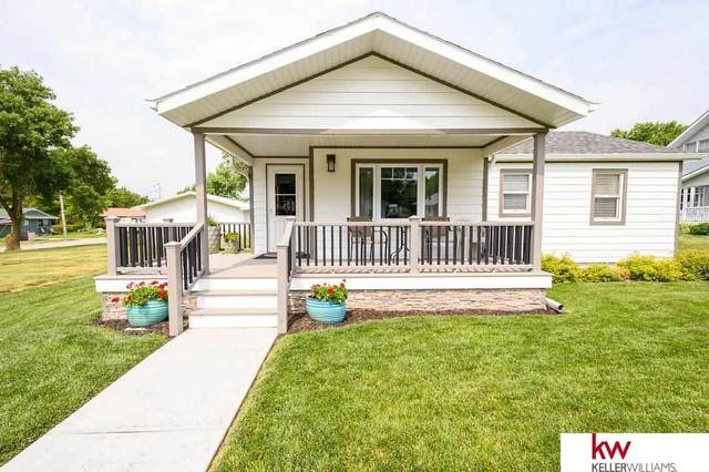 1415 N Commercial Avenue, Superior, NE 68978 (MLS #22114263) :: Cindy Andrew Group