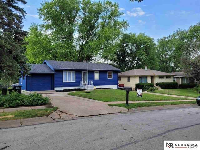 8063 Castelar Street, Omaha, NE 68124 (MLS #22114269) :: Cindy Andrew Group