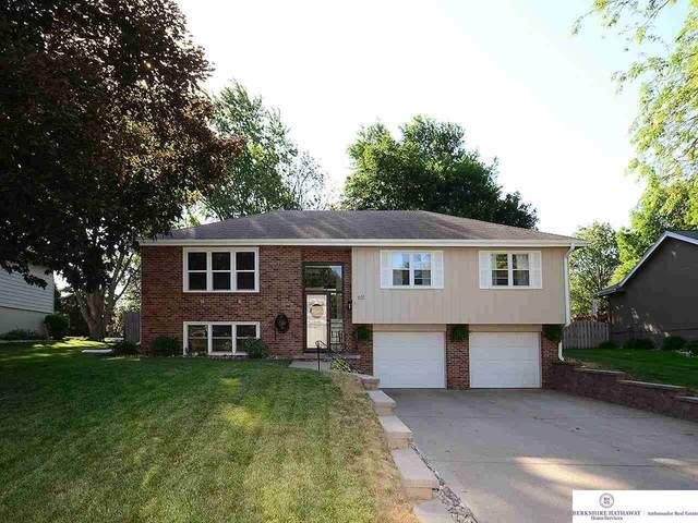 651 S 212 Street, Elkhorn, NE 68022 (MLS #22114270) :: Cindy Andrew Group