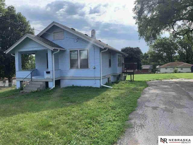 5209 N 50 Street, Omaha, NE 68104 (MLS #22114360) :: Dodge County Realty Group