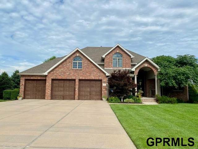 13705 S 41St Street, Bellevue, NE 68123 (MLS #22114873) :: Elevation Real Estate Group at NP Dodge