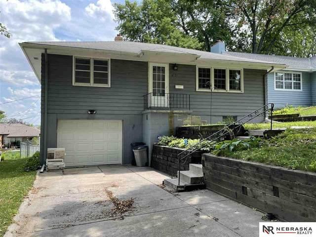 4737 S 78 Avenue, Omaha, NE 68127 (MLS #22114958) :: Berkshire Hathaway Ambassador Real Estate