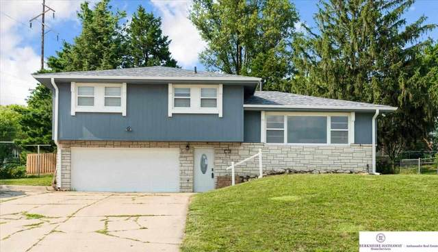 11368 Gold Street, Omaha, NE 68144 (MLS #22115064) :: Berkshire Hathaway Ambassador Real Estate