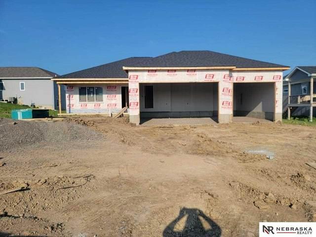 1210 Cyprus Boulevard, Hickman, NE 68372 (MLS #22115176) :: Berkshire Hathaway Ambassador Real Estate