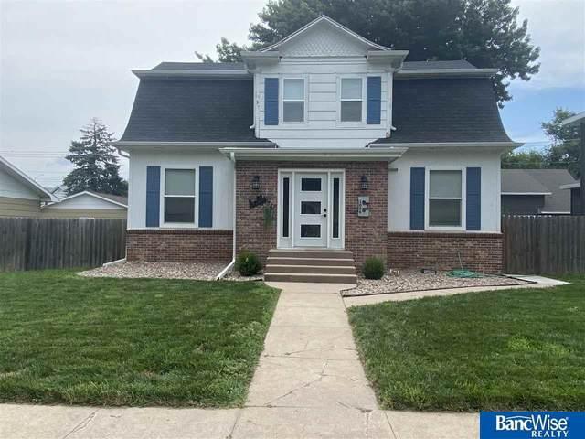 1006 15th Street, Aurora, NE 68818 (MLS #22115214) :: Berkshire Hathaway Ambassador Real Estate