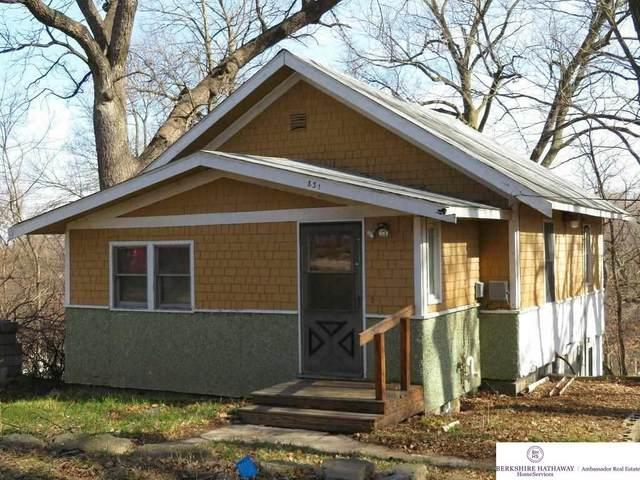831 Grace Street, Council Bluffs, IA 51503 (MLS #22115249) :: Berkshire Hathaway Ambassador Real Estate