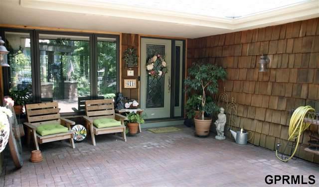 811 Bayberry Court, Bellevue, NE 68005 (MLS #22115326) :: Elevation Real Estate Group at NP Dodge